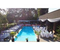 Kiadó medencés étterem