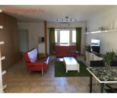 8. Orczi u. közelében kiadó 4 szobás, 2. em.-i 140 m2.-es, bútorozott, 3 külön bejáratú szobás lakás