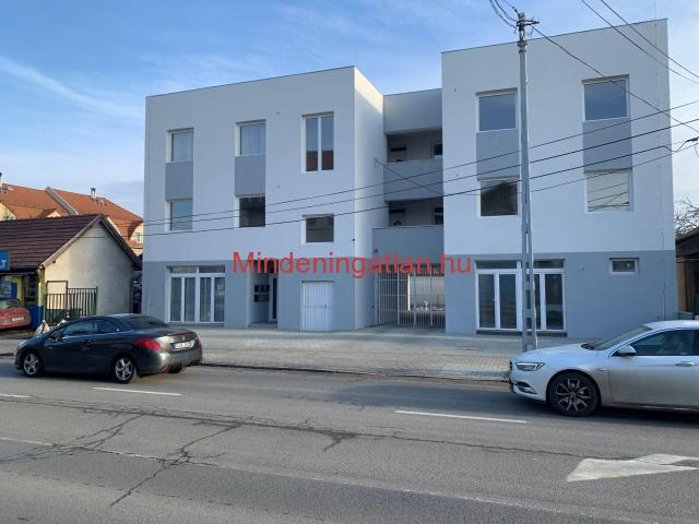 Bp. XVIII. kerület, Nemes u. - Kisfaludy u sarkán új építésű házban  36 m2-es lakások /irodák eladók