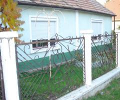 Vas megyében,nyugati határ mellett 3szobás családi ház eladó!