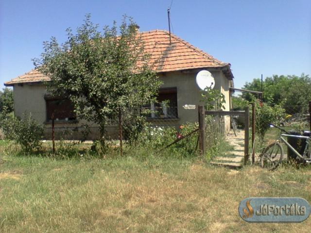 Tanyasi ház eladó
