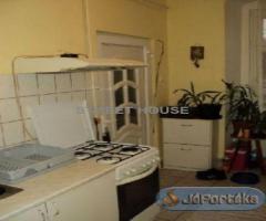 sopronban felújított tégla lakás jó áron!